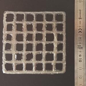 gel imprimé sous forme de quadrillage